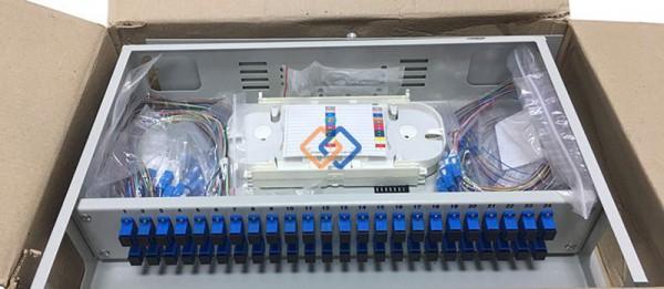 Hộp phối quang ODF 48Fo gắn rack đầy đủ phụ kiện